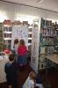 Czytamy sobie w bibliotece w Raszówce_11
