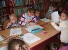 Dzień Głośnego Czytania w bibliotece w Miłoradzicach_6