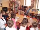 Teatrzyk Kamishibai w bibliotece w Miłoradzicach_2