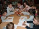 Teatrzyk Kamishibai w bibliotece w Miłoradzicach_4