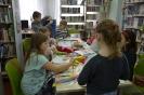 W krainie baśni i teatru - z ferii w bibliotece w Raszówce_23