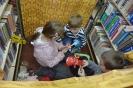 W krainie baśni i teatru - z ferii w bibliotece w Raszówce_28