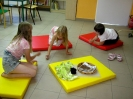 Wakacyjne spotkania z książką i zabawą - Obora_6