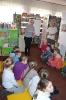Czytamy sobie w bibliotece w Raszówce_3