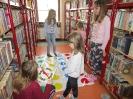Gwarnie i kolorowo podczs ferii w bibliotece w Miłoradzicach_10