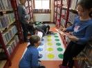Gwarnie i kolorowo podczs ferii w bibliotece w Miłoradzicach_13