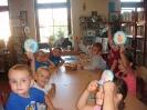 Pierwsza wizyta przedszkolaków w bibliotece w Miłoradzicach_3