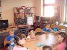 Pierwsza wizyta przedszkolaków w bibliotece w Miłoradzicach_4