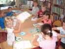 Pierwsza wizyta przedszkolaków w bibliotece w Miłoradzicach_5