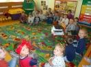Przedszkolaki z Basią w bibliotece_1