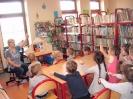Teatrzyk Kamishibai w bibliotece w Miłoradzicach_3