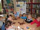 Z Kubusiem Puchatkiem w bibliotece w Miłoradzicach_4