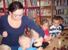 Z Kubusiem Puchatkiem w bibliotece w Miłoradzicach_6