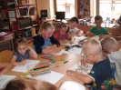 Z wakacji w bibliotece w Miłoradzicach_8